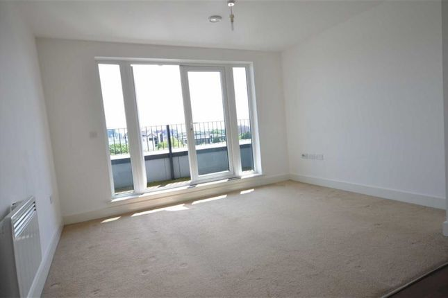 Thumbnail Flat to rent in Poplar House, 116 Phoebe Stree, Salford, Salford