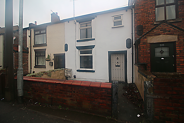 Thumbnail Cottage to rent in Wigan Road, Westhoughton