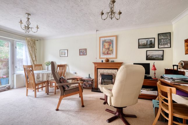 Lounge of Rowan Court, Worcester Road, Droitwich WR9