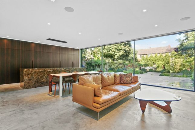 Thumbnail Detached house for sale in North Avenue, London