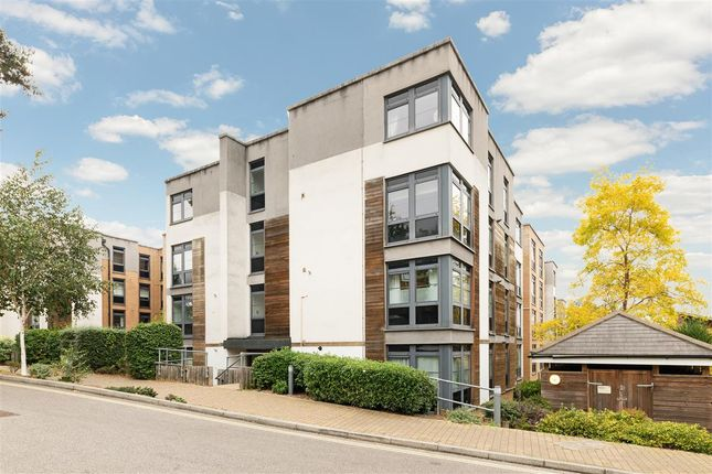 1 bed flat for sale in Hannay House, Scott Avenue, Putney SW15