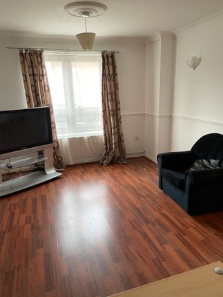 1 bed terraced house to rent in Saigasso Close, Custom House E16