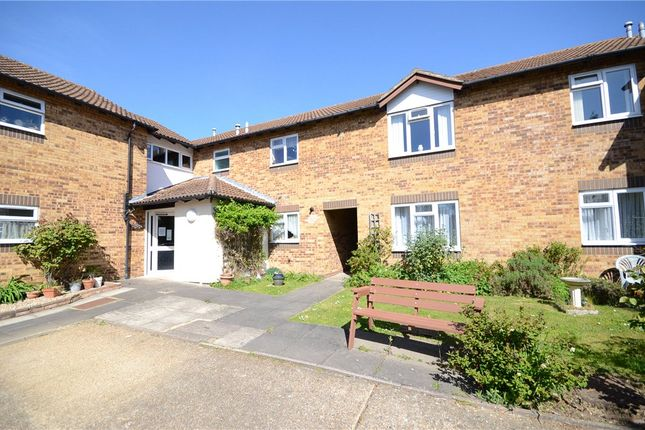 2 bed flat for sale in Larks Meade, Earley, Reading RG6