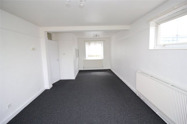 Thumbnail Flat to rent in St. Andrews Court, Queen Street, Gravesend, Kent