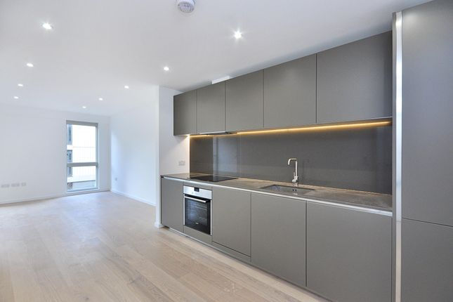 Thumbnail Flat to rent in Balham Hill, Clapham South, London