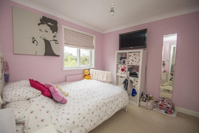 Bedroom of Bensgrove Close, Woodcote, Reading RG8