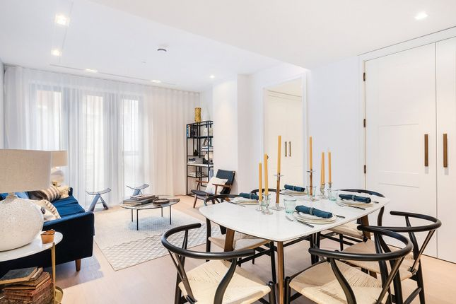 Thumbnail Flat for sale in Lincoln Square, Lincoln's Inn Fields