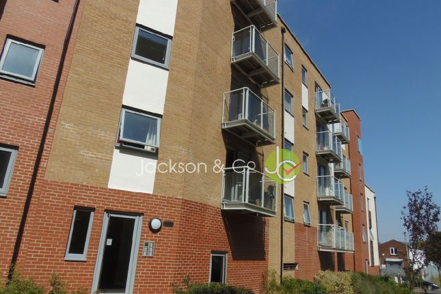1 bed flat to rent in Hawkins Road, Colchester CO2