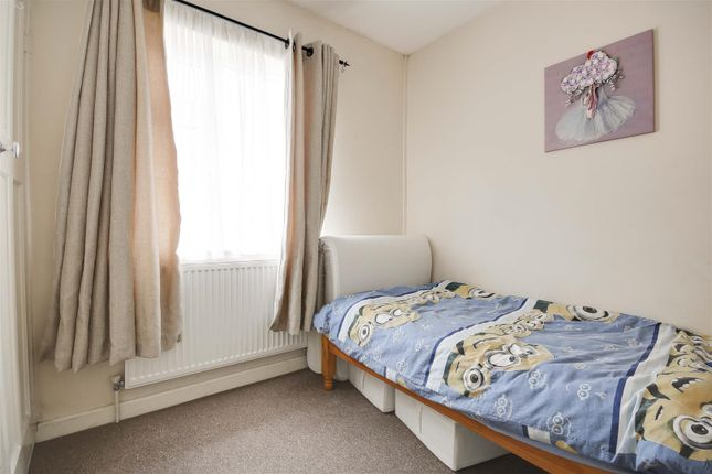 21206 of Torbay Crescent, Bestwood, Nottinghamshire NG5