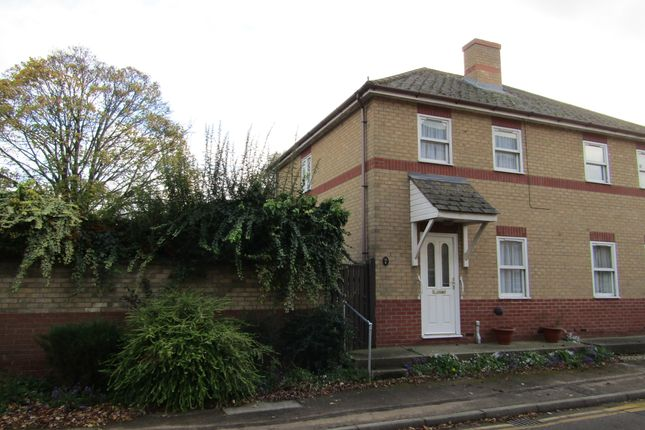 Thumbnail Semi-detached house to rent in Lindsells Walk, Chatteris