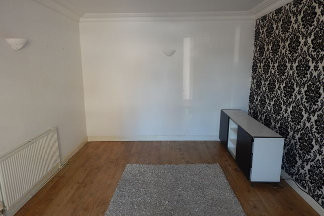 Thumbnail Terraced house to rent in William Street, Batley