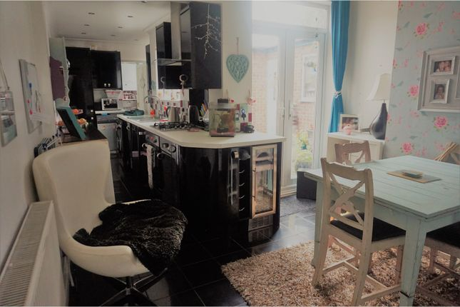 3 bed terraced house for sale in High Street, Arnold, Nottingham