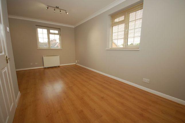Thumbnail Flat to rent in Hanson Close, Beckenham
