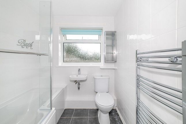 Thumbnail Flat to rent in Longwood Close, Sunniside, Newcastle Upon Tyne