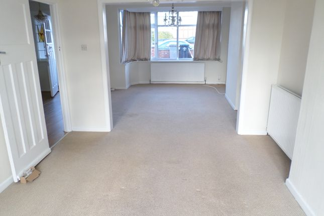 4 bed terraced house to rent in Valley Drive, Kingsbury