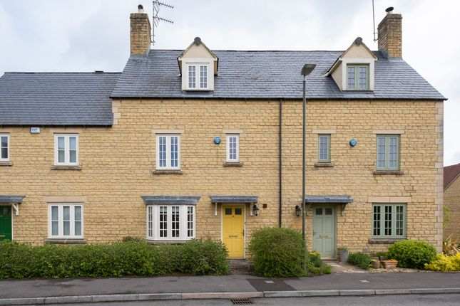 3 bed detached house to rent in Blenheim Way, Moreton-In-Marsh GL56