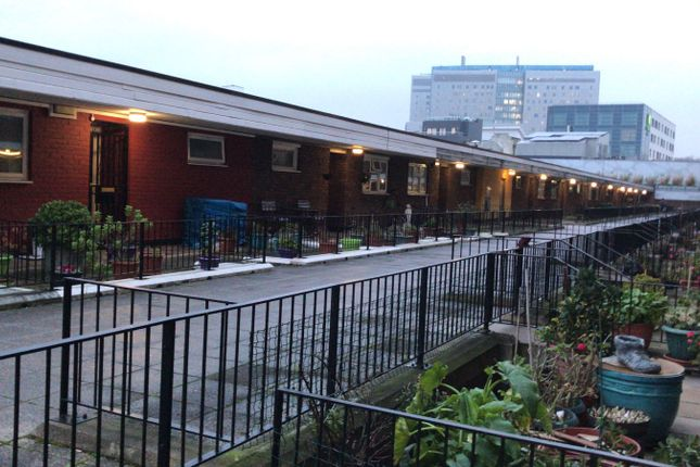 Thumbnail Maisonette to rent in Watney Market, Shadwell, East London
