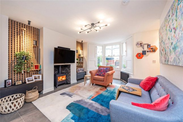 Thumbnail Terraced house to rent in Woodstock Road, London