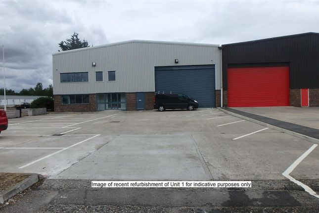 Thumbnail Pub/bar to let in Unit 9, New Dukes Park Industrial, Atholl Road, Chelmsford, Essex