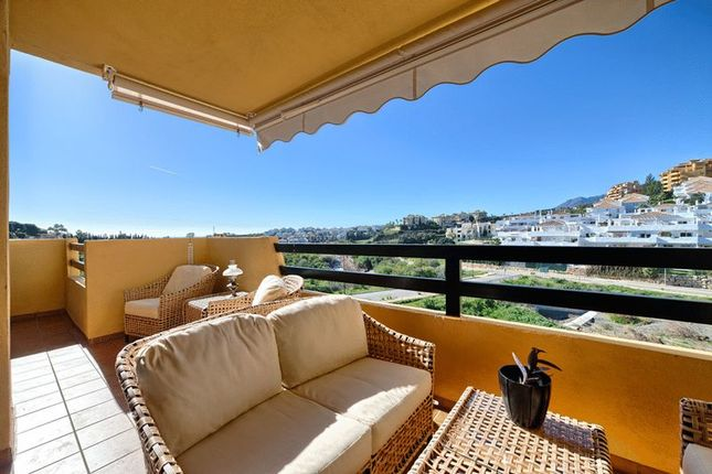 3 bedroom apartment for sale in Estepona, Málaga, Spain