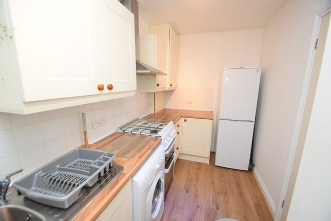 2 bed terraced house to rent in Church Road, Penryn TR10