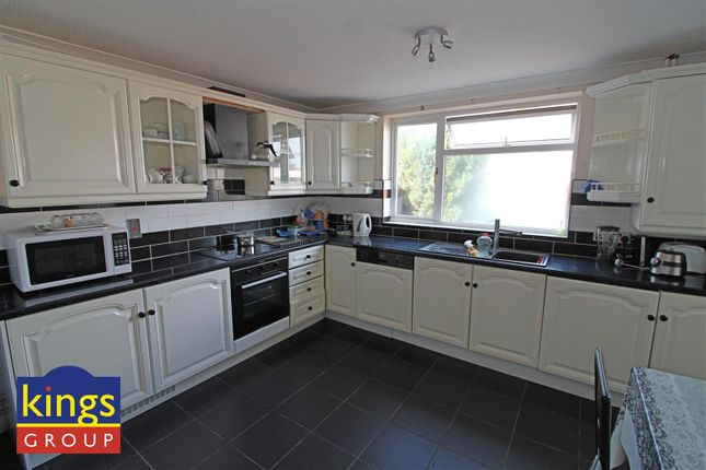 Kitchen (23) of Monarch Close, Tilbury RM18