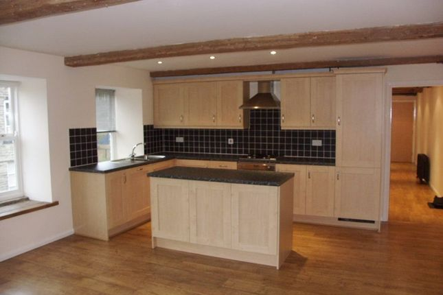 Thumbnail Flat to rent in Nabb View, Underbank Old Road, Holmfirth