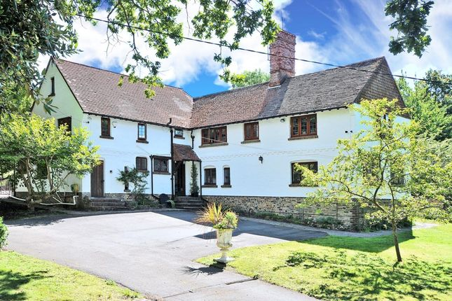 Thumbnail Flat to rent in Threals Lane, West Chiltington, Pulborough