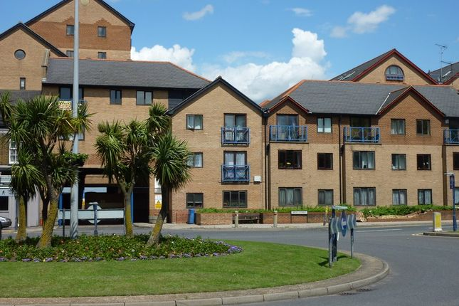 1 bed flat to rent in Crawley Court, Gravesend