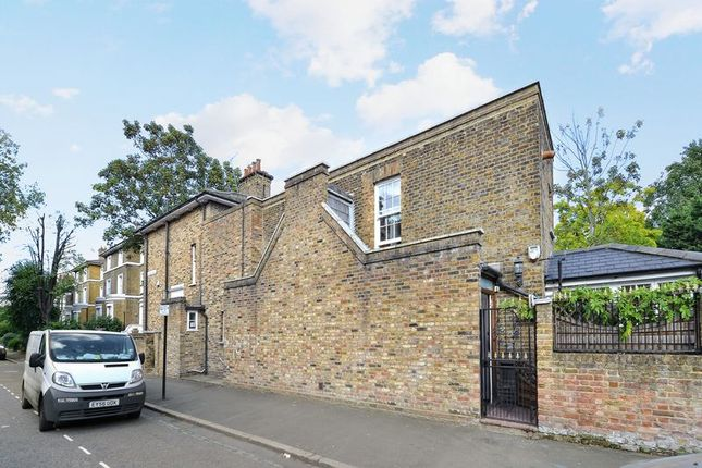 Thumbnail Terraced house for sale in Albion Drive, London