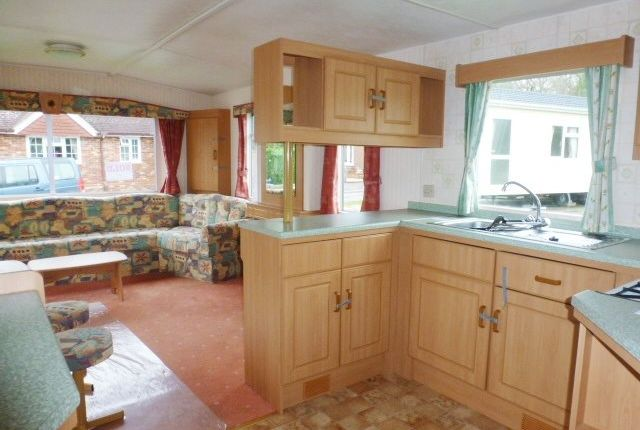 2 bed mobile/park home to rent in Emms Lane, Brooks Green, Horsham