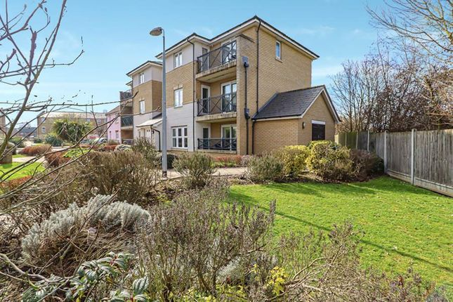 Thumbnail Flat for sale in Bell Close, Laindon