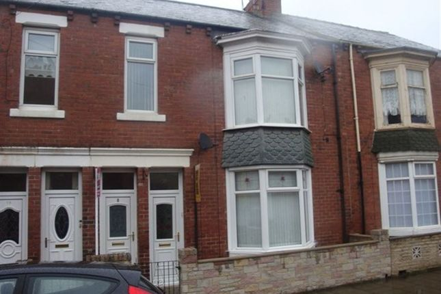 Thumbnail Flat to rent in Armstrong Terrace, South Shields