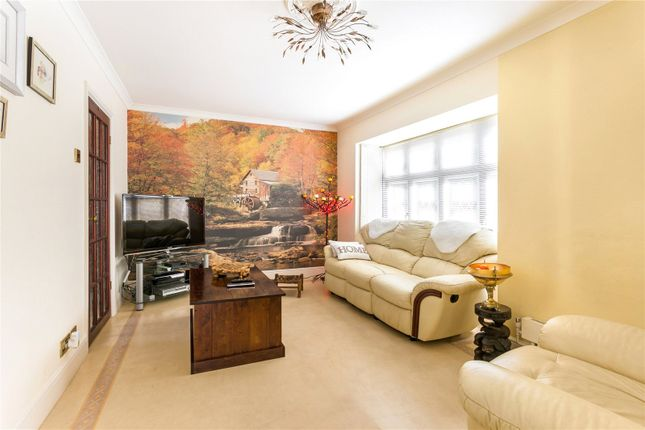 Picture No. 10 of Langley Way, Watford, Hertfordshire WD17