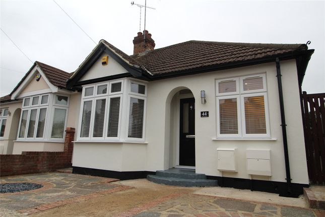 2 bed bungalow to rent in Percival Road, Hornchurch RM11