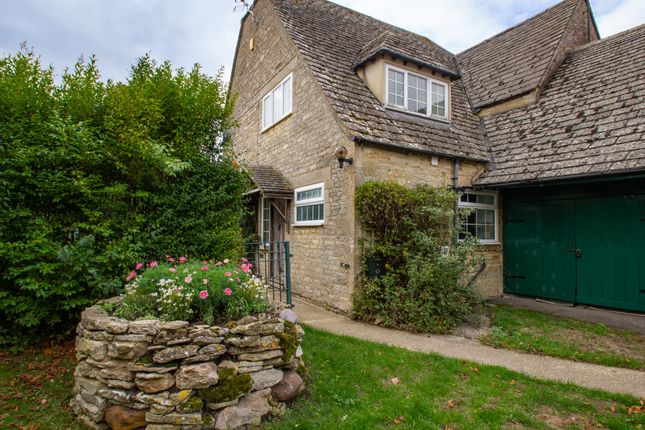 Thumbnail Cottage to rent in New Yatt, Witney