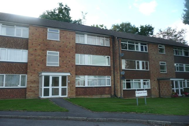 Thumbnail Flat to rent in Frogmore Court, Blackwater, Camberley