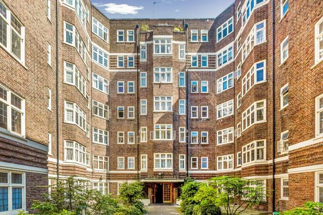 Flat to rent in Clare Court, Judd Street, London