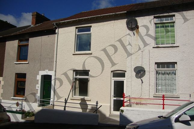 Terraced house to rent in 24 Waterloo Place, Brynmill, Swansea.