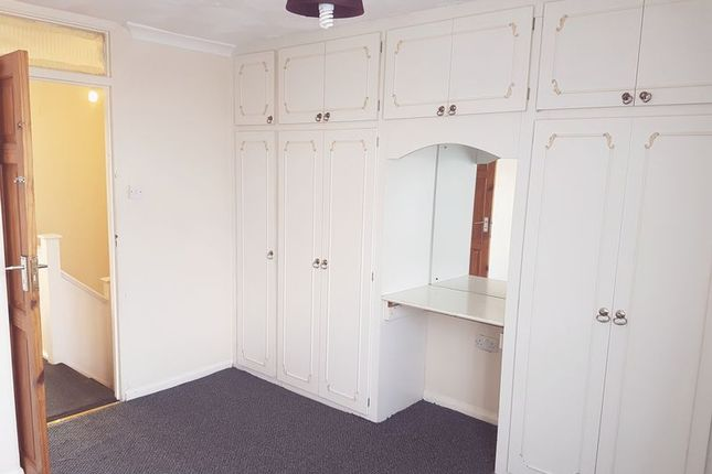 Thumbnail Town house to rent in Russet Close, Hillingdon, Uxbridge