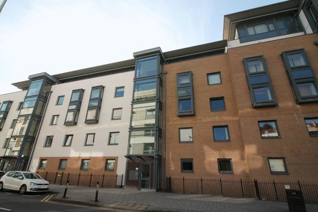 Thumbnail Flat to rent in Deanery Road, City Centre