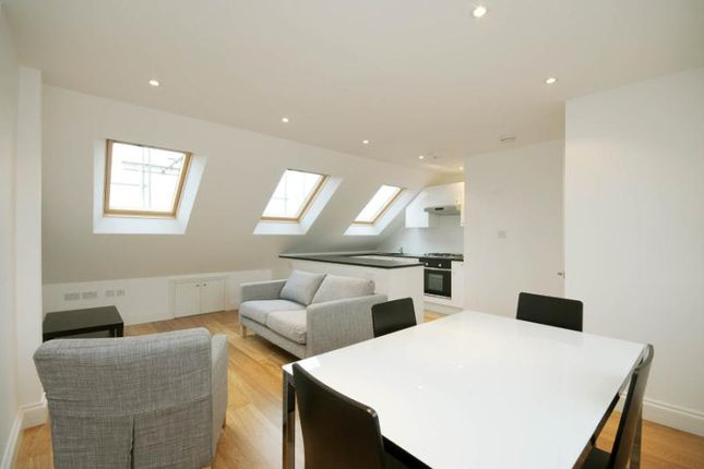 3 bed maisonette to rent in Dunraven Road, Shepherds Bush, London W12