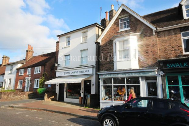 Thumbnail Maisonette to rent in High Street, Lindfield