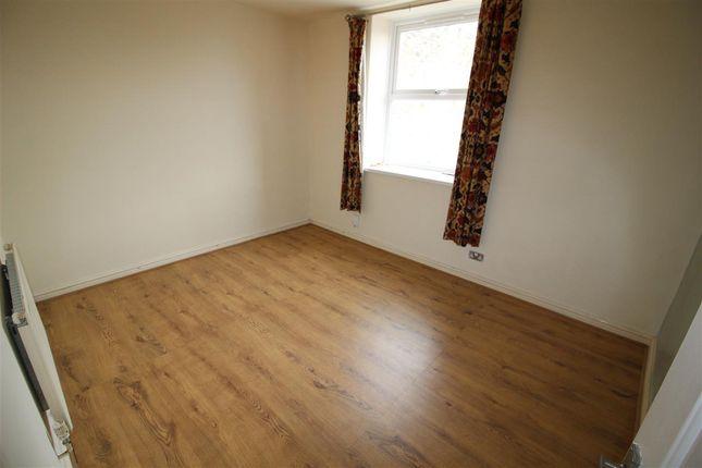 Bedroom of Thomas Street West, Savile Park, Halifax HX1