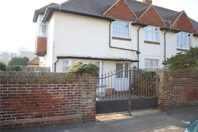 Thumbnail Semi-detached house to rent in Cantelupe Road, Bexhill On Sea