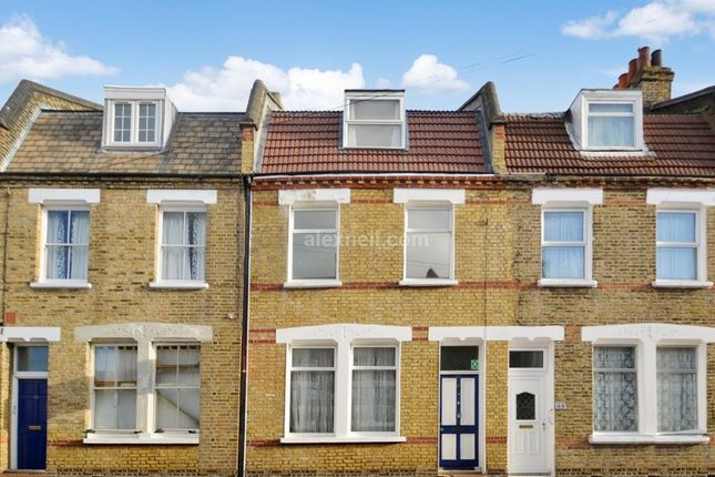 Thumbnail Town house to rent in Senrab Street, London