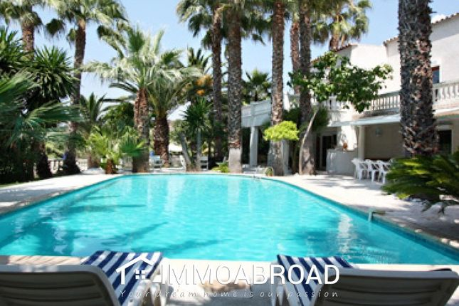 Thumbnail Villa for sale in 06410 Biot, France