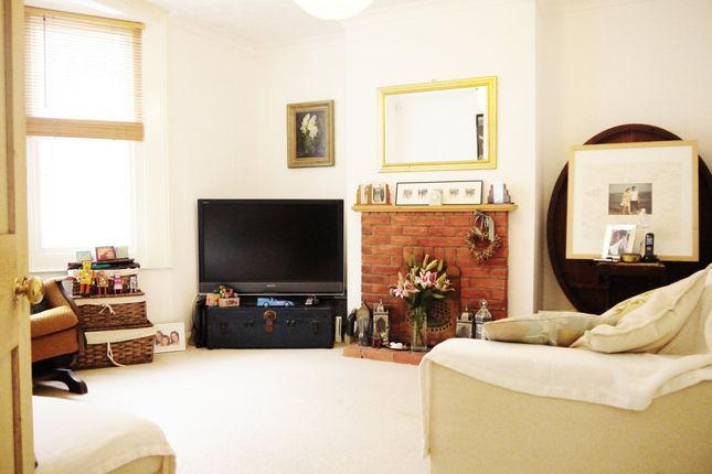 Thumbnail Flat to rent in Goldstone Road, Hove