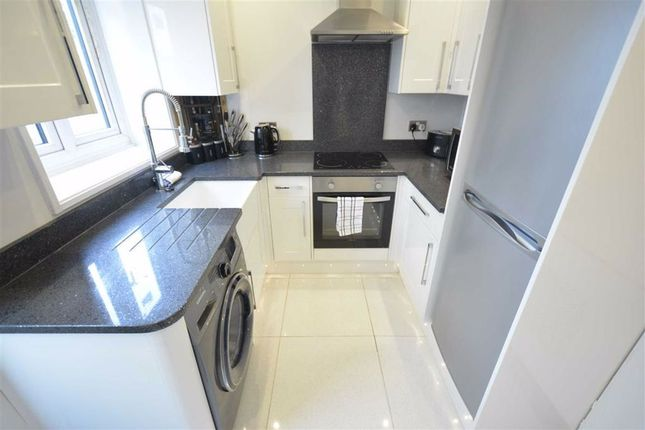 Fitted Kitchen: of Shakesphere Avenue, Tilbury, Essex RM18