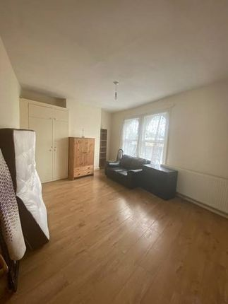Thumbnail Terraced house to rent in Acre Lane, Brixton